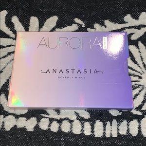 Anastasia Aurora Pallet